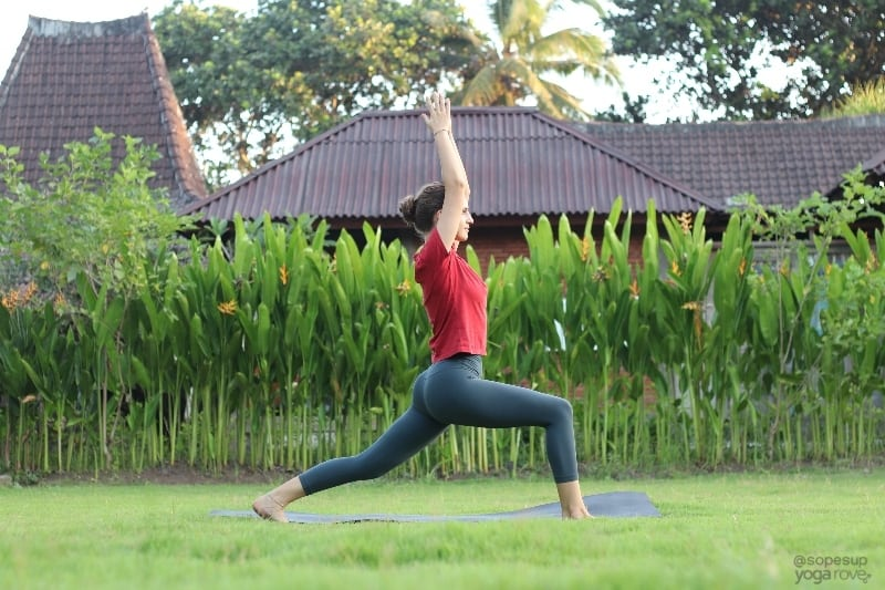 Yoga Poses for Beginners: High Lunge