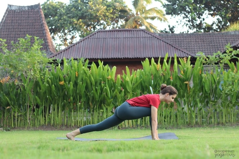 Yoga Poses for Beginners: Low Lunge