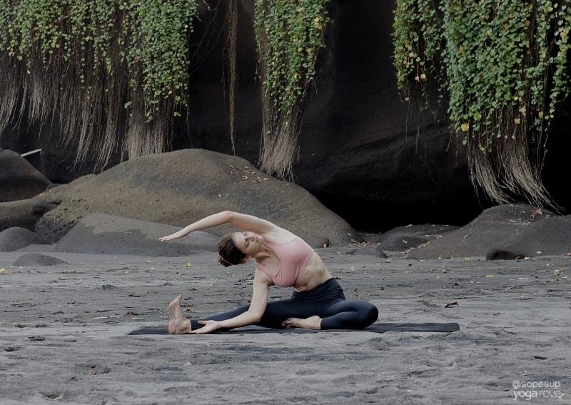 Yoga Routine for Flexibility: One Legged Side Stretch
