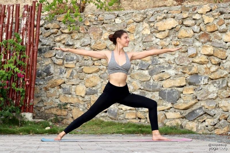 yoga poses to practice everyday- warrior II