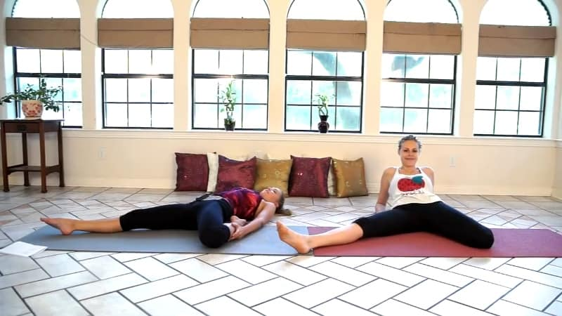 side stretch lean back example